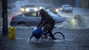 california-flood-bicyclist-jpg_5902745_ver1-0_640_360